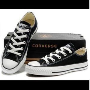 Black low top converse size 5.5 men's, 7.5 womens